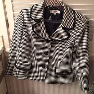 Jones New York Studio black  & white blazer